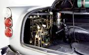 Aston_martin_db5trunk